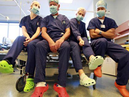 Как правильно подобрать обувь для медработников?