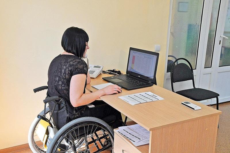 Смоленские работающие инвалиды более 3 лет борются за индексацию пенсий