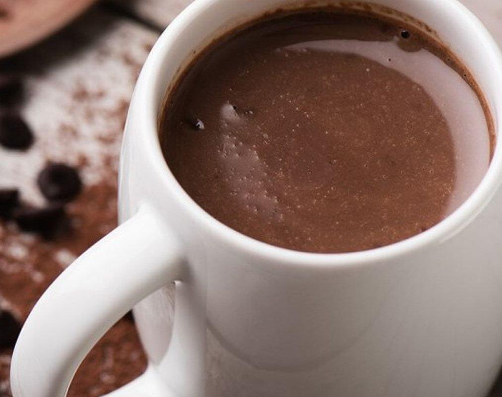 Врач рассказал, когда вместо кофе лучше пить какао
