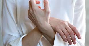 Один из самых опасных видов рака можно определить по состоянию пальцев