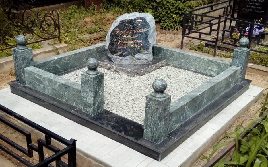 Особенности намогильных памятников