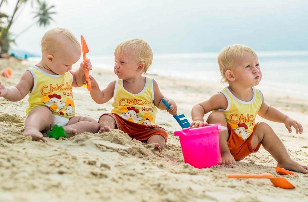 Как собраться на пляж с ребенком