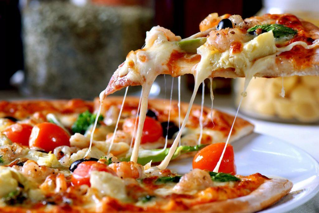 Вкусная пицца от лучших поваров