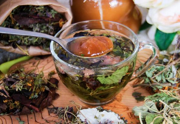 Вместо чая: лучшие травы на каждый день