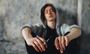 Эффект хамелеона: как распознать наркомана в своём окружении?