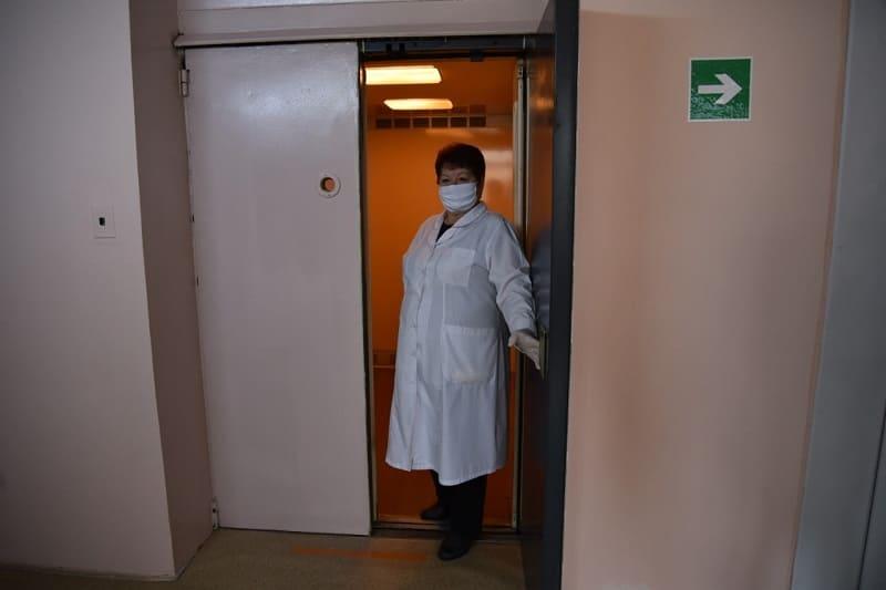 В смоленской поликлинике запустили лифт и открыли кабинет для приема инвалидов