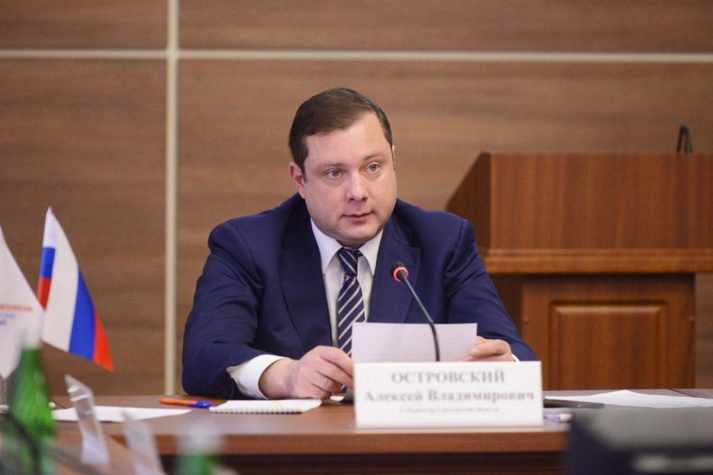 Алексей Островский потребовал ускорить обновление ФАПов Смоленской области