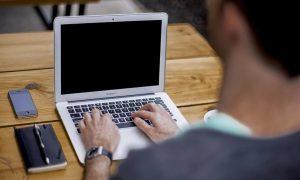 В Смоленской области вызвать врача на дом можно будет через интернет