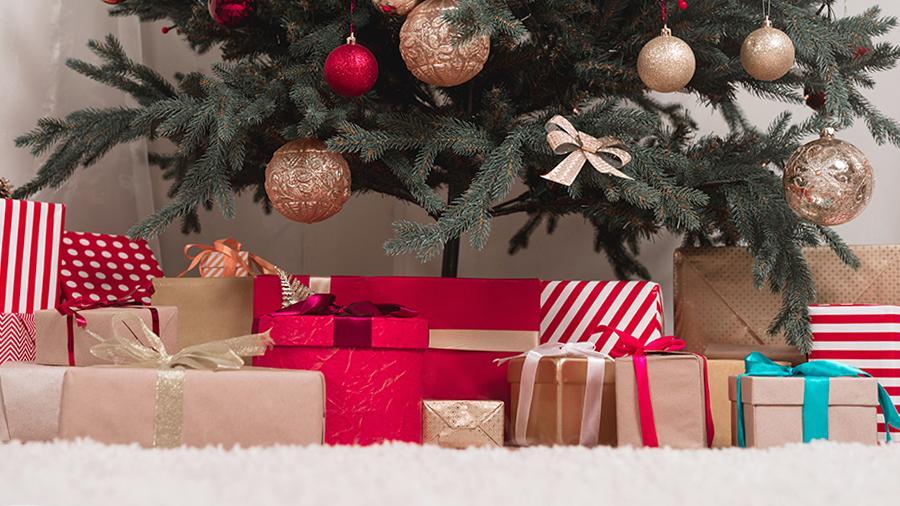 Врачи считают новогодние подарки возможным источником распространения коронавируса