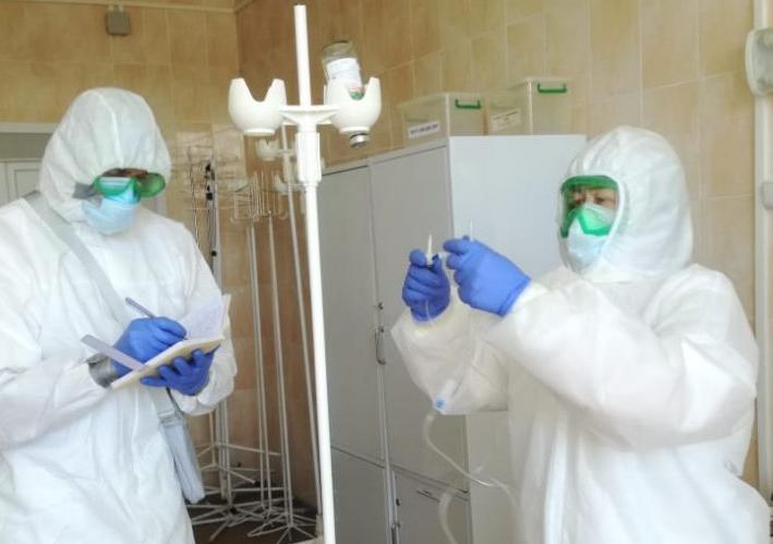 Смолянам объяснили опасность «лёгкой» формы коронавируса