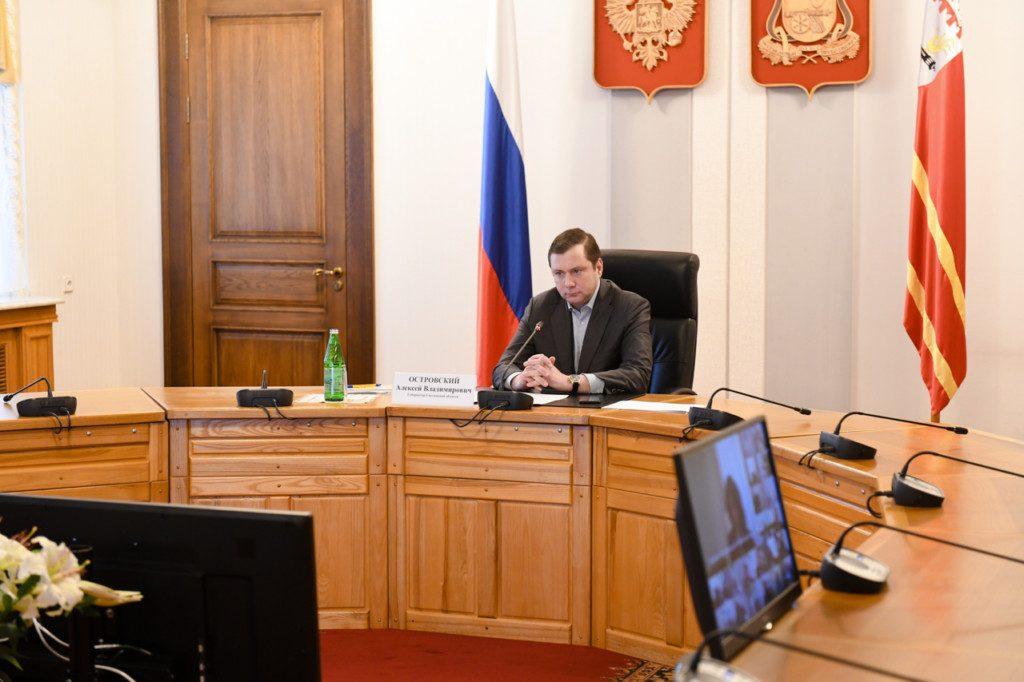 Алексей Островский назвал напряжённой ситуацию с коронавирусом в Смоленской области