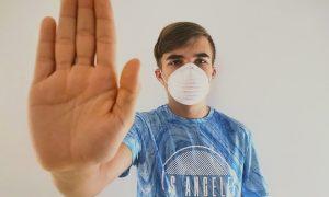 Врачи ответили на опасения смолян в связи с противопоказаниями к вакцинации от коронавируса