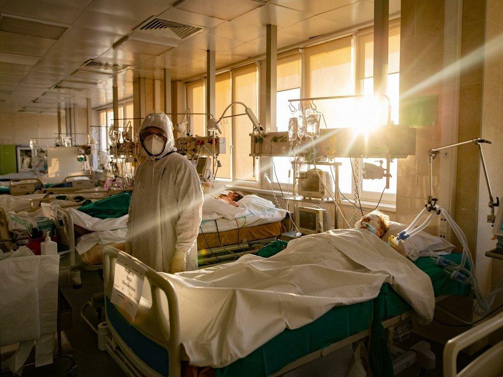 В Смоленске ковидный госпиталь на Кирова снова станет роддомом