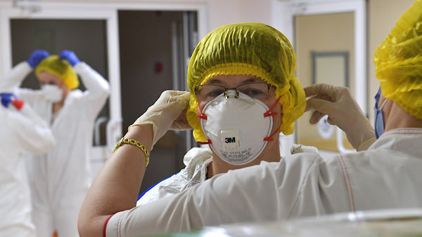 Переболевшая COVID-19 медик из Десногорска взыскала выплату через суд