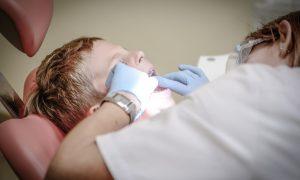Число госпитализированных после отравления учеников смоленской школы возросло до 12