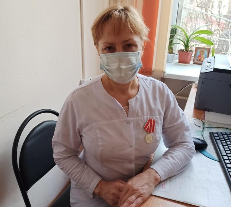 Смоленская медсестра удостоена государственной награды