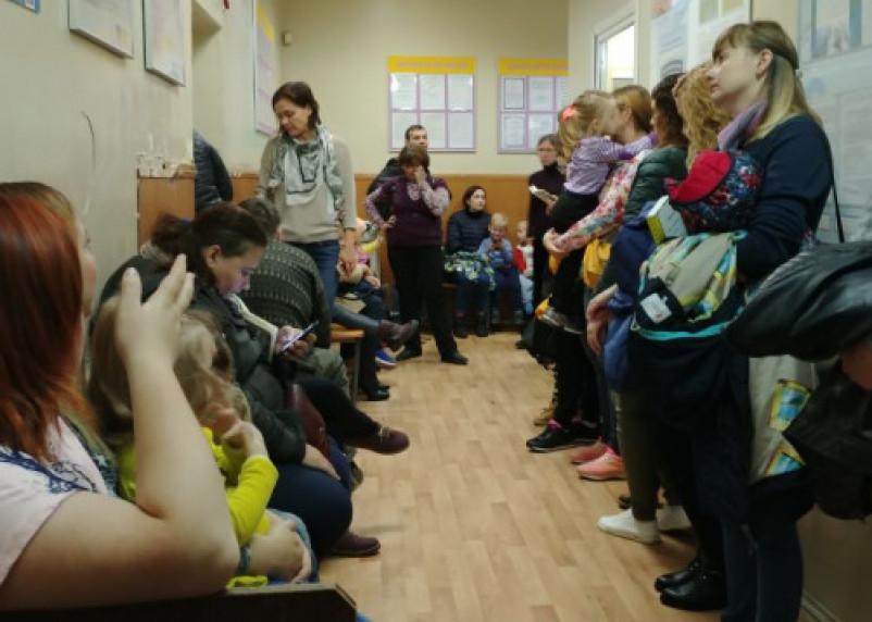 Бесплатной медицины нет. Жители Десногорска жалуются на отсутствие узких специалистов для детей