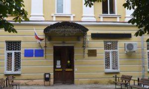 В Смоленске из-за заболевшего COVID-19 перенесли плановую госпитализацию в онокодиспансер