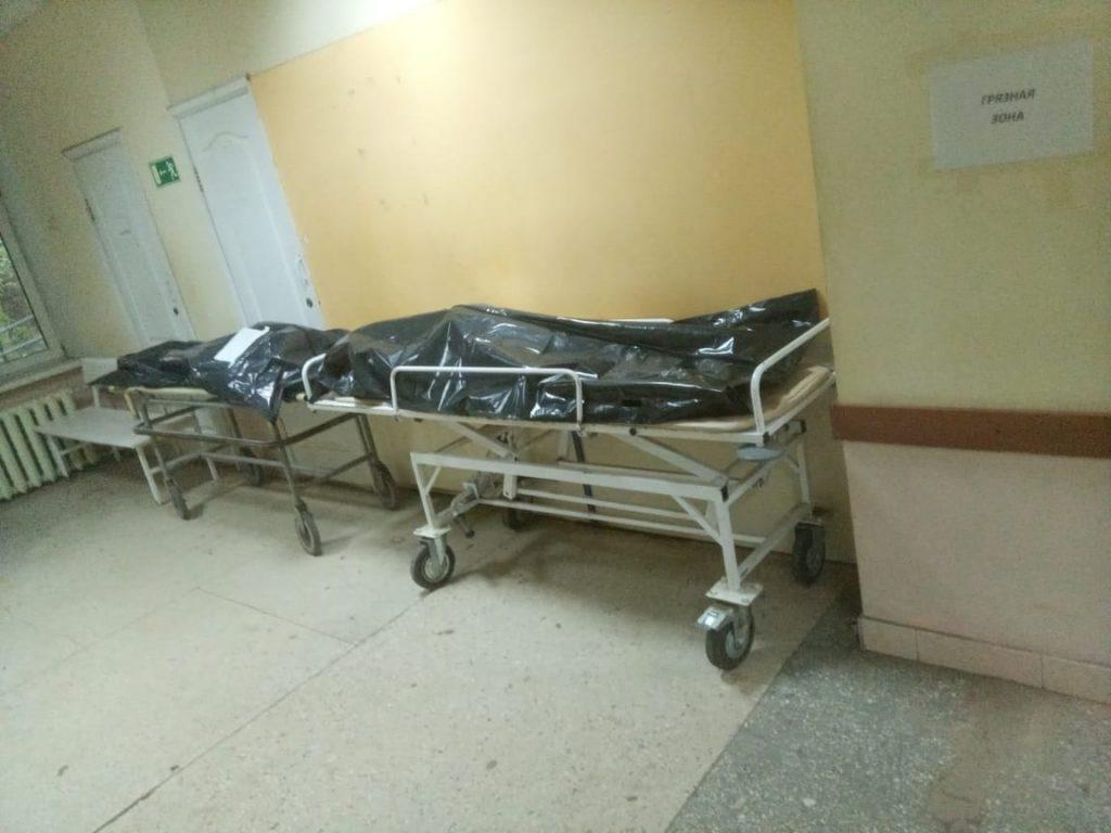 В Смоленской области сохранился уровень суточной смертности от коронавируса