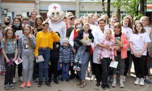 В областной детской больнице провели праздник для юных смолян