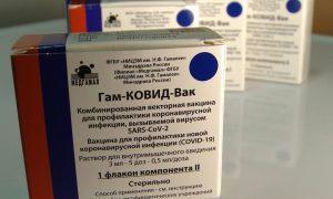 В Смоленскую область поступило свыше 102 тысяч доз вакцин от коронавируса