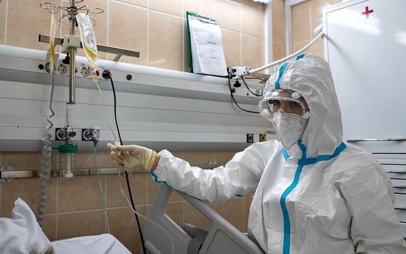 В смоленский инфекционный госпиталь стали чаще попадать пациенты с крайне тяжелой формой COVID-19