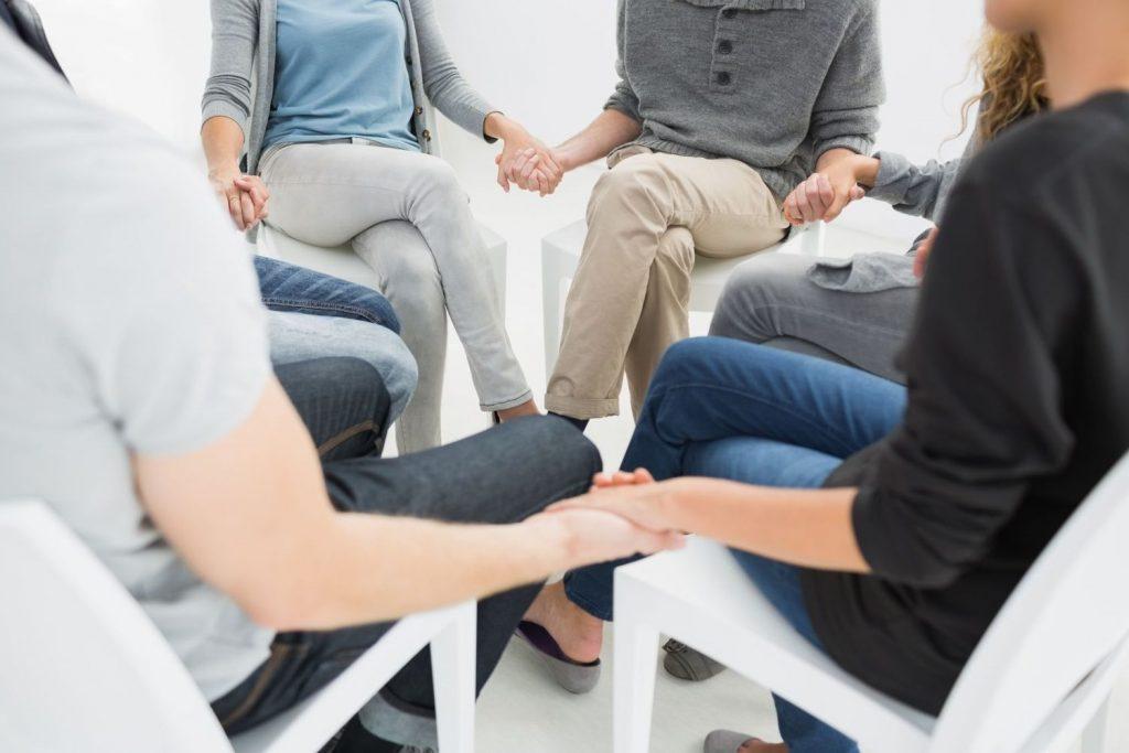 При каких симптомах потребуется лечение и реабилитация наркозависимых