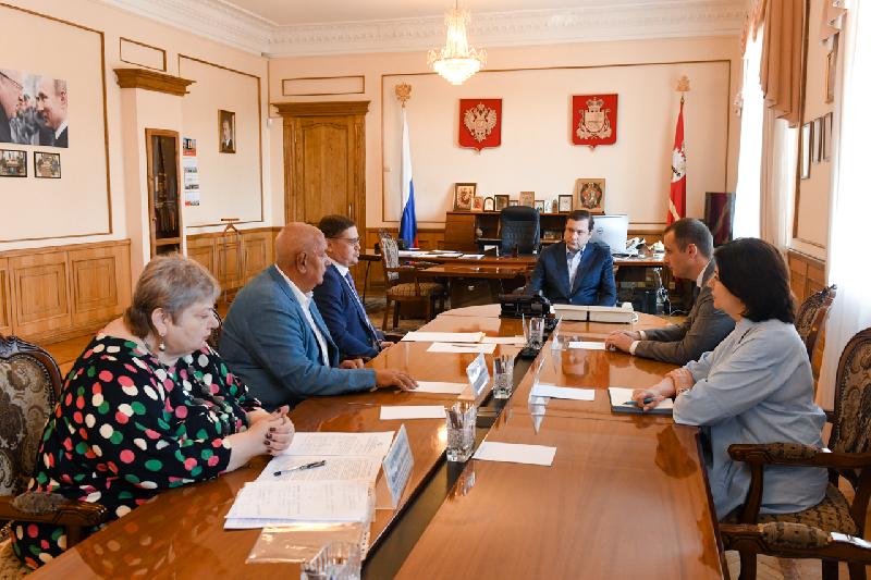 В Смоленске побывал председатель профсоюза работников здравоохранения РФ Анатолий Домников