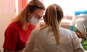 Смоленские волонтеры начали помогать врачам с заполнением сертификатов о вакцинации