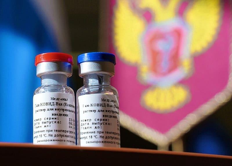 В Смоленской области первым компонентом вакцины против COVID-19 привились более 200 000 человек