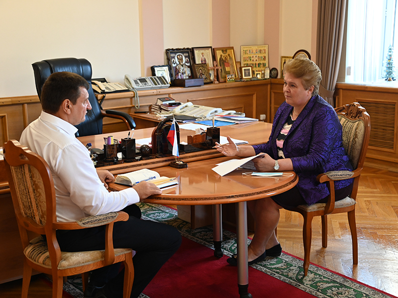 Игорь Ляхов и Ольга Окунева обсудили проблему дефицита кадров в здравоохранении Гагаринского района