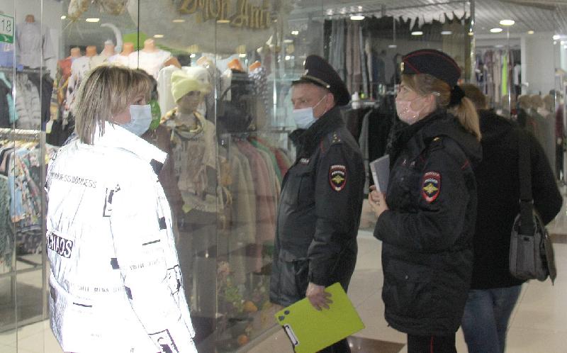 В Смоленске продолжаются антикоронавирусные рейды по торговым центрам