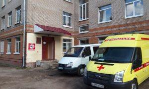 Алексей Островский поручил передать смоленским медикам новую партию служебного транспорта